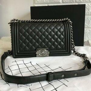 Chanel Le Boy Bag New Check Description